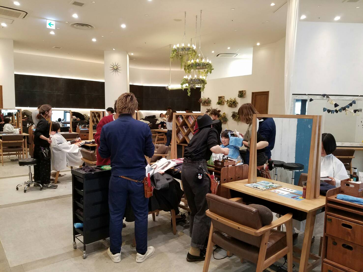 森越道大、パーマ美容師、ゆるふわパーマ、パーマスタイル、縮毛矯正、ストレートパーマ、前髪パーマ、デジタルパーマ、GARDEN、NEUTRAL