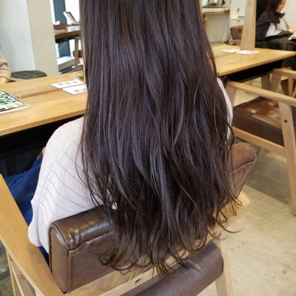 素髪パーマ人気で毎日やってます。梅雨前には最高かも〜
